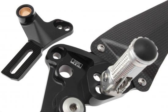 NGR-Ducati-1198-rearsets-sb-SBK-03.jpg